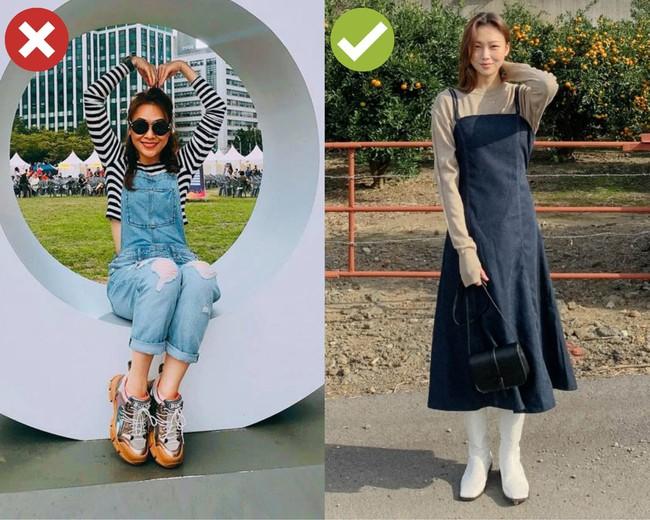 """3 kiểu đồ các mỹ nhân không tuổi mặc thì đẹp, chị em 30+ bắt chước lại thành """"mặt phụ huynh style học sinh"""" - Ảnh 2."""