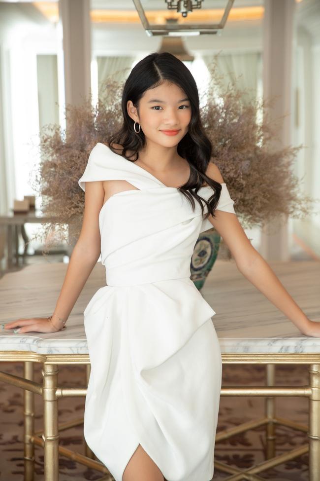 """Devon Trần - con gái Trương Ngọc Ánh và Trần Bảo Sơn mới 12 tuổi mà cao 1m6, dự đoán là """"ứng viên Hoa hậu"""" - Ảnh 4."""