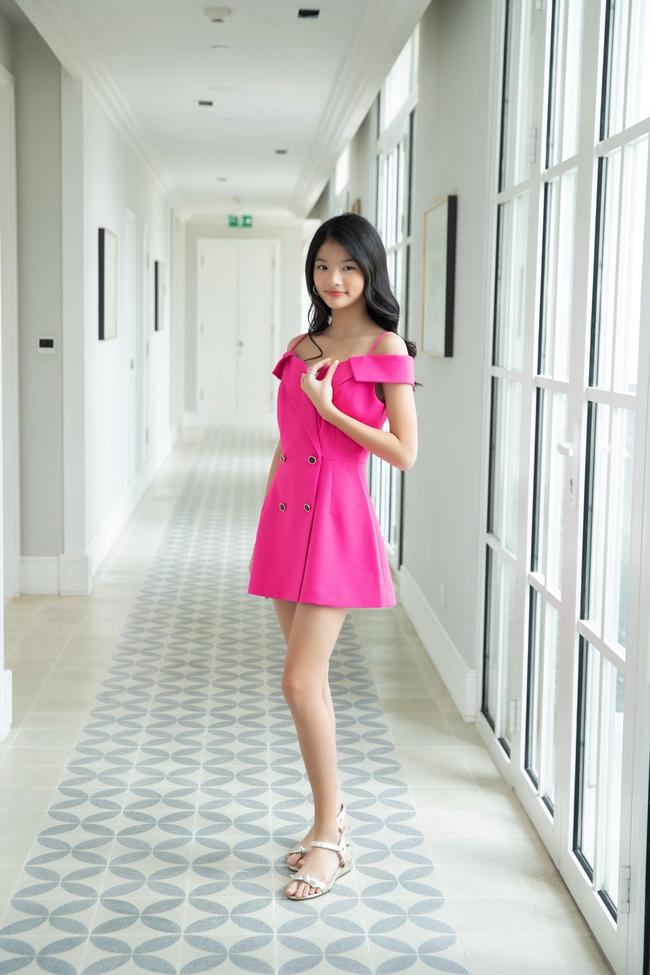 """Devon Trần - con gái Trương Ngọc Ánh và Trần Bảo Sơn mới 12 tuổi mà cao 1m6, dự đoán là """"ứng viên Hoa hậu"""" - Ảnh 2."""