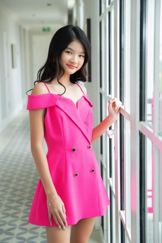 """Devon Trần - con gái Trương Ngọc Ánh và Trần Bảo Sơn mới 12 tuổi mà cao 1m6, dự đoán là """"ứng viên Hoa hậu"""" - Ảnh 1."""