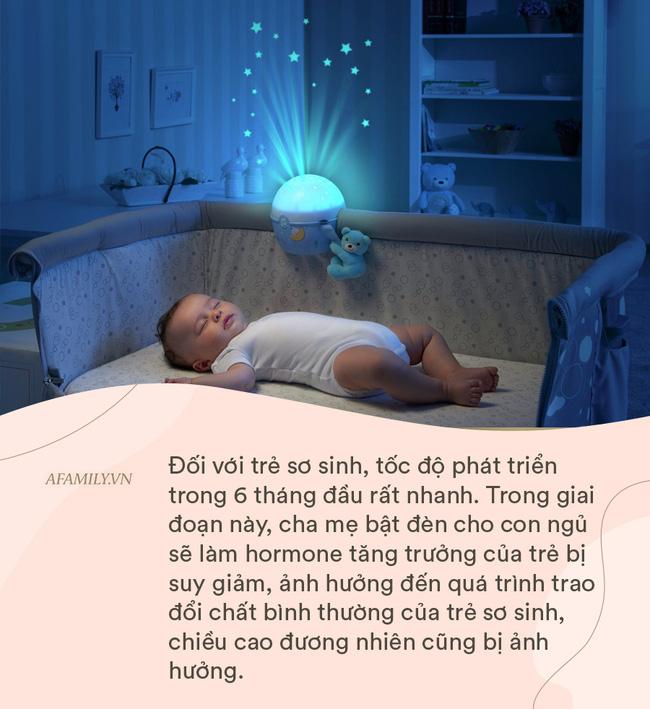 Để đèn ngủ chăm trẻ sơ sinh rất thuận tiện, nhưng các mẹ sẽ không dám làm thế nữa sau khi biết 4 hiểm họa khôn lường này - Ảnh 1.