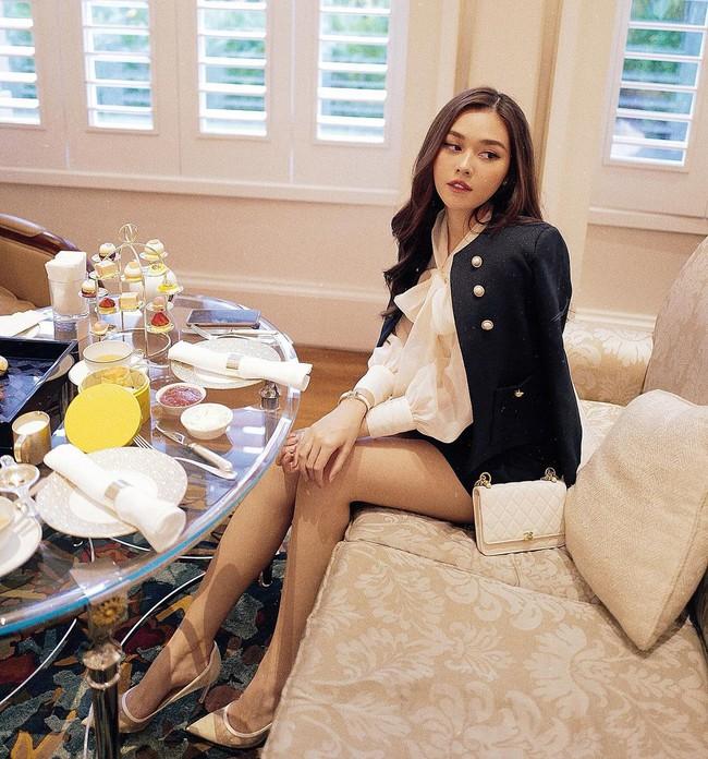 """Á hậu Tường San trước khi lên xe hoa ở tuổi 20: """"Bản sao Hà Tăng"""" có body mướt mắt, cuộc sống sang chảnh và nhiều đồ hiệu như ái nữ nhà giàu - Ảnh 7."""