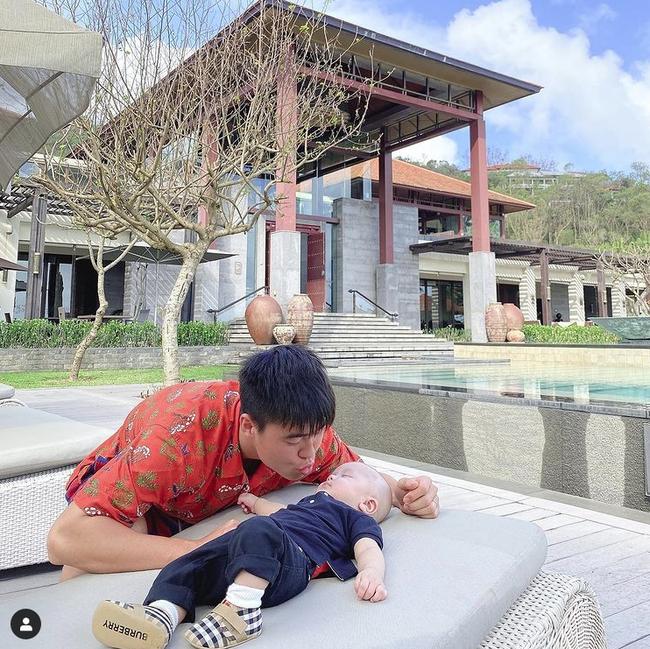 """Suýt nữa bị chồng đá xuống hồ khi đang đi du lịch, Quỳnh Anh """"chữa cháy"""" ngay bằng bức ảnh gia đình siêu đáng yêu - Ảnh 3."""