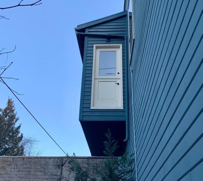 Nhà không có tầng nhưng vẫn đam mê xây cầu thang, gia chủ khiến khách khứa đau đầu dự đoán mục đích và cái kết vô cùng... ngã ngửa - Ảnh 7.