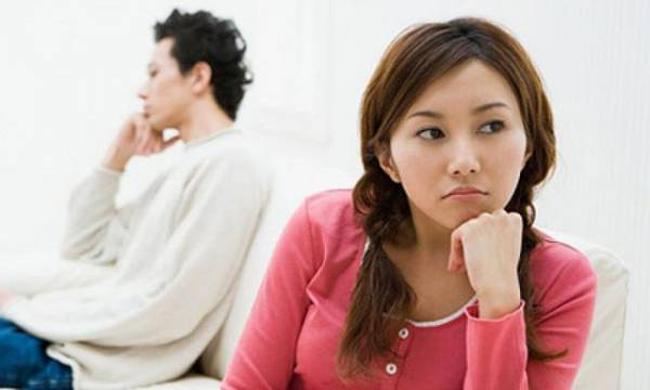 Sắp cưới chị vợ đi mua váy bị chồng chửi: `` Xấu và tham lam '', chị vợ quay lại nói đúng mấy câu khiến anh câm nín - Ảnh 1.