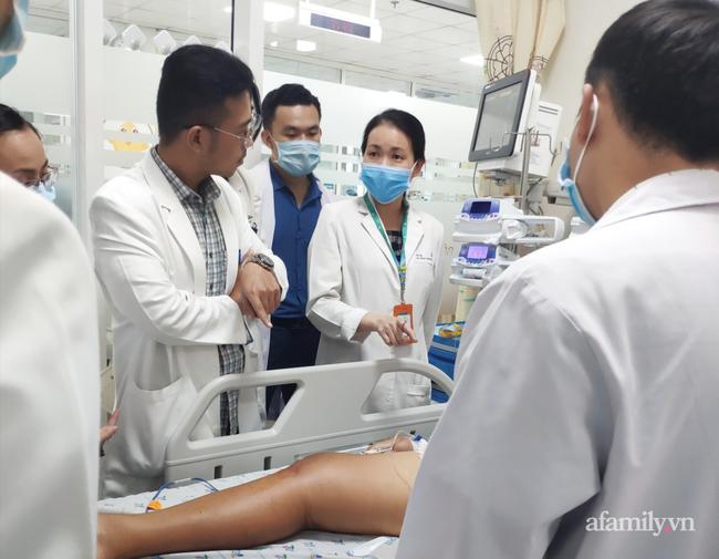 """Bé trai 14 tuổi ở Kiên Giang nhiễm khuẩn """"bí ẩn"""", tính mạng nguy kịch sau khi vô tình vấp té trên sà lan - Ảnh 2."""