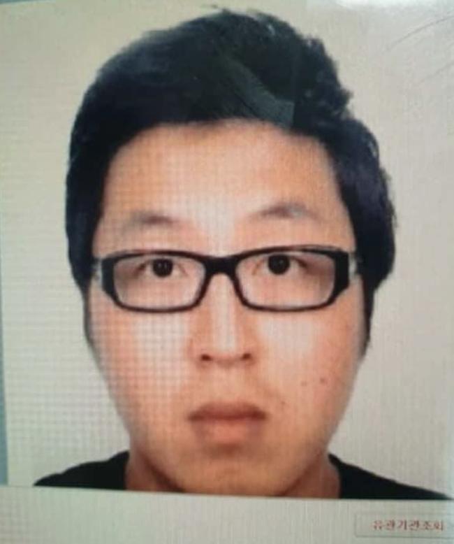 Vụ phát hiện thi thể không nguyên vẹn trong vali ở căn nhà 4 tầng: Đã bắt được nghi can người Hàn Quốc - Ảnh 1.