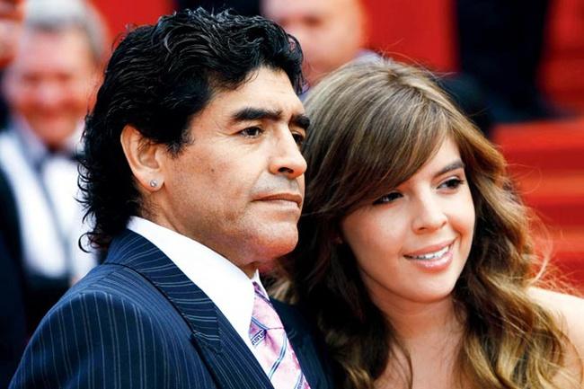 """""""Di sản"""" đặc biệt mà huyền thoại Diego Maradona để lại cho đời: Những người con với số lượng đủ để thành lập một đội bóng - Ảnh 2."""