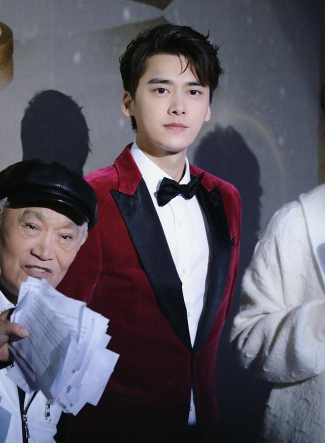 Dàn diễn viên đình đám xuất hiện tại giải Diễn viên xuất sắc phim truyền hình Trung Quốc - Ảnh 1.