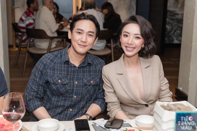 """Thu Trang khoe ngực đầy sexy, nhắc chuyện Anh Tú - Châu Bùi đóng """"Chị Mười Ba 2"""" - Ảnh 7."""