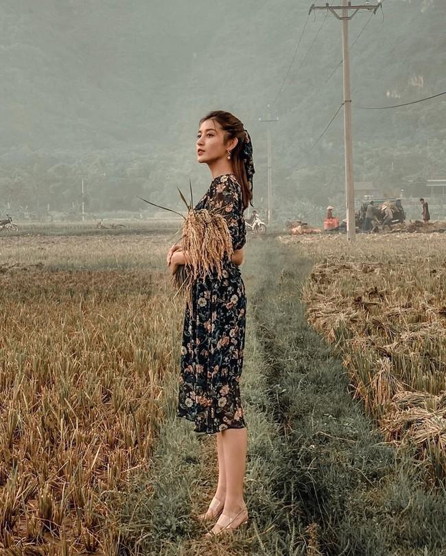 """Đây là kiểu giày gần như mỹ nhân Việt nào cũng có một đôi, diện lên siêu hack dáng và kéo chân dài """"ác liệt"""" - Ảnh 12."""