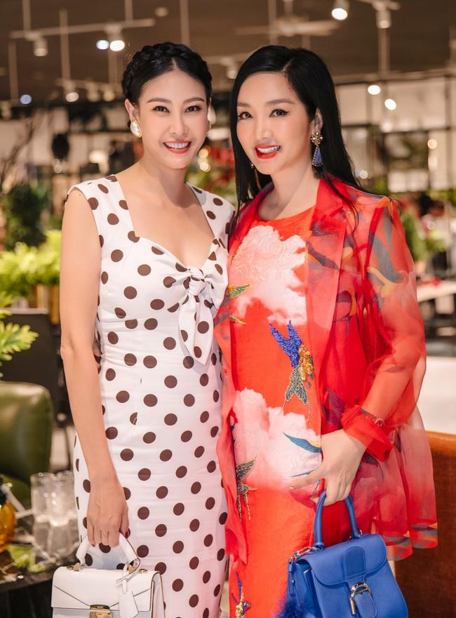 Hồng Nhung, Linh Nga đọ sắc trong sự kiện nhưng điều khiến mọi người chú ý chính là bạn trai của 2 nữ nghệ sĩ - Ảnh 5.