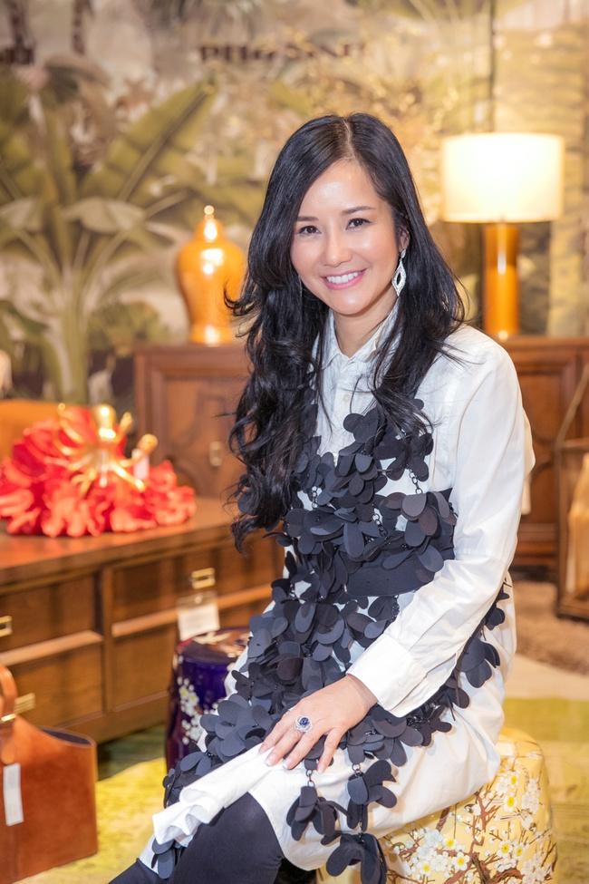 Hồng Nhung, Linh Nga đọ sắc trong sự kiện nhưng điều khiến mọi người chú ý chính là bạn trai của 2 nữ nghệ sĩ - Ảnh 2.