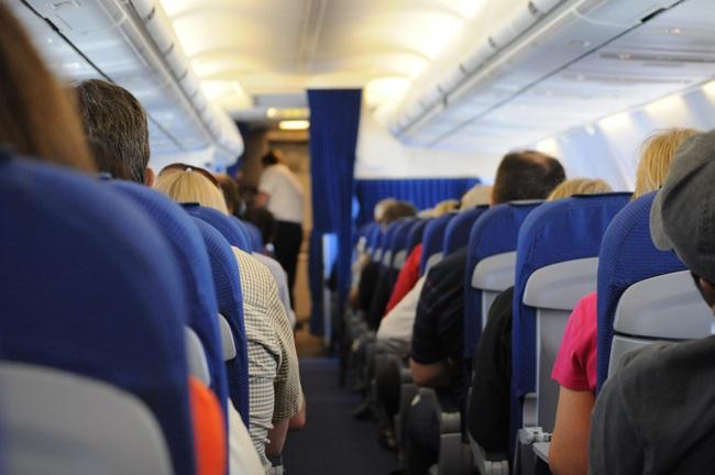 Người phụ nữ này suýt chết trước mặt con trên chuyến bay vì căn bệnh dị ứng với thực phẩm - Ảnh 1.