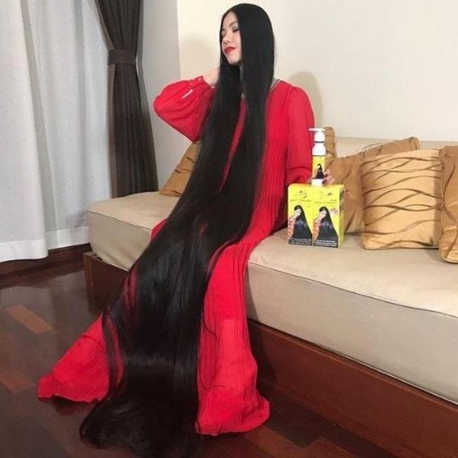 Cô gái Nhật sở hữu mái tóc dài 1m78 sau 15 năm không cắt và câu chuyện về những nàng Rapunzel ngoài đời thực - Ảnh 3.