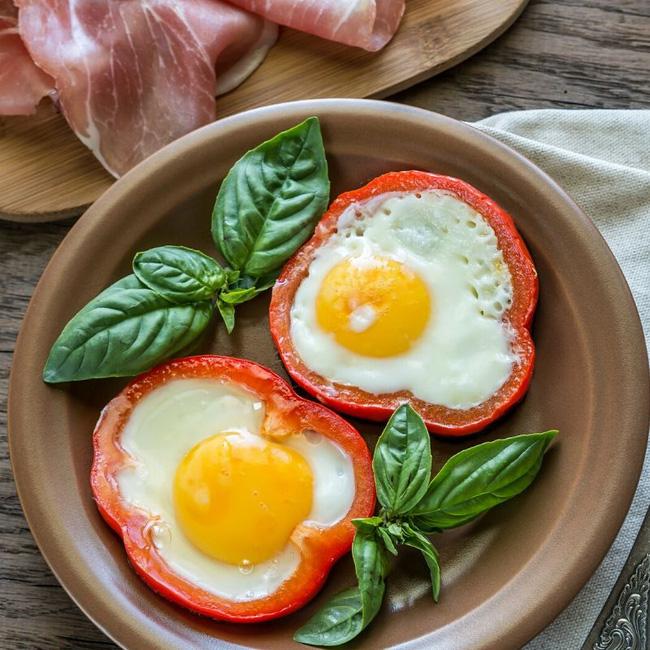"""Trứng vốn đại bổ với sức khỏe, thậm chí còn """"tiêu diệt"""" mỡ thừa nếu chị em ăn kèm với 4 loại thực phẩm sau: Đã rẻ mà lợi ích lại dồi dào - Ảnh 2."""