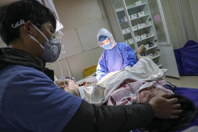 Từ vụ sản phụ 24 tuổi tử vong tại bệnh viện Việt - Pháp: Nằm trên bàn đẻ mà thấy những dấu hiệu này, sản phụ cần thông báo với bác sĩ ngay kẻo gặp nguy - Ảnh 3.