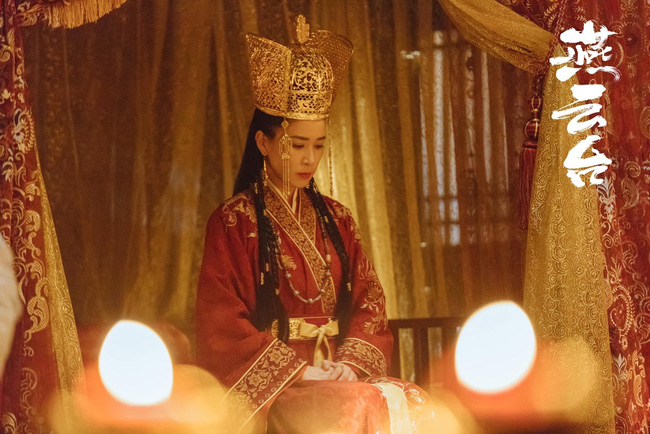 """""""Yến Vân Đài"""": Xa Thi Mạn đẹp rụng rời khi làm Vương Phi nhưng ảnh chưa qua photoshop lại đầy vết nhăn - Ảnh 2."""