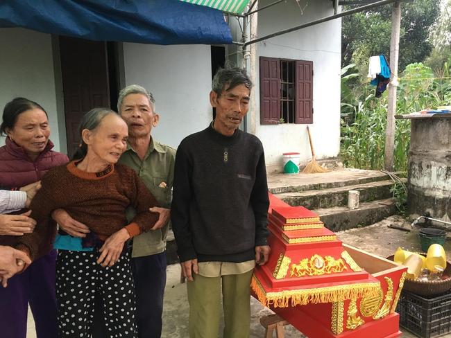 Hoàn cảnh thương tâm của hai anh em sinh đôi thương vong trên đường về quê: Mẹ bỏ đi, hoàn cảnh nghèo khó - Ảnh 3.