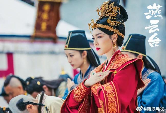 """""""Yến Vân Đài"""": Đường Yên bị diễn viên phụ đấm vào mặt, phản ứng đau đớn sau đó mới đáng nói  - Ảnh 2."""