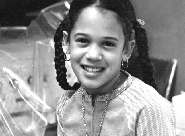 Vừa nhận tin chiến thắng, nữ Phó thống Mỹ đắc cử đã gửi thông điệp gây xúc động nghẹn ngào và những bức ảnh hiếm thấy của bà khi còn nhỏ - Ảnh 9.