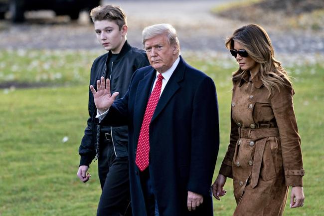 """Khi cánh cửa Nhà Trắng đã khép lại, ông Donald Trump, """"nữ thần"""" Ivanka cùng gia đình sẽ làm gì sắp tới? - Ảnh 3."""