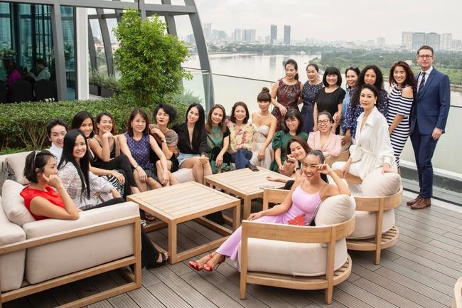 Trương Ngọc Ánh hội ngộ cùng Hoa hậu Hà Kiều Anh trong buổi tiệc trà chia sẻ bí quyết sống khỏe của Đoan Trang - Ảnh 9.