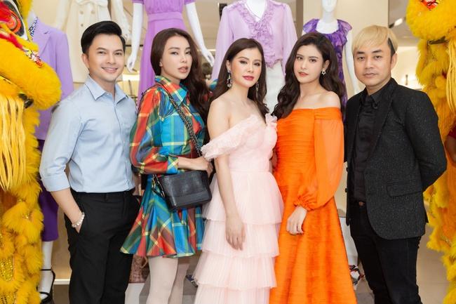 """Trương Quỳnh Anh """"chơi trội"""", chặt đẹp dàn khách mời khi diện 3 bộ đồ trong cùng một sự kiện - Ảnh 3."""