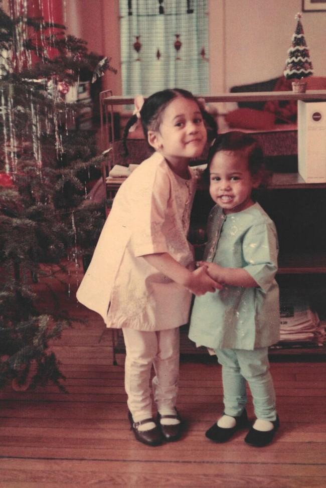 Vừa nhận tin chiến thắng, nữ Phó thống Mỹ đắc cử đã gửi thông điệp gây xúc động nghẹn ngào và những bức ảnh hiếm thấy của bà khi còn nhỏ - Ảnh 6.