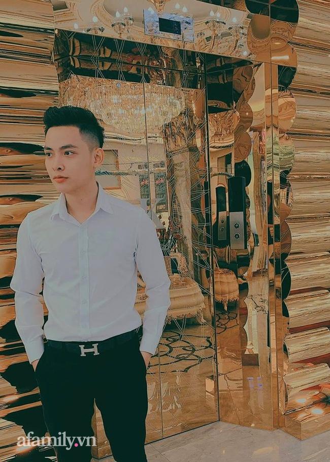 """Bóc profile khủng của """"tổng tài 9x"""" sở hữu khách sạn dát vàng hơn 30 tỷ ở Sài Gòn: Có 10 năm sống ở Canada, tốt nghiệp RMIT, cùng hội bạn bè với streamer Xemesis  - Ảnh 3."""