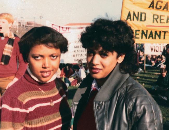 """Soi học vấn nữ nữ Phó tổng thống Mỹ Kamala Harris: Tốt nghiệp hai trường Đại học, trở thành người phụ nữ của """"những lần đầu tiên"""" - Ảnh 2."""