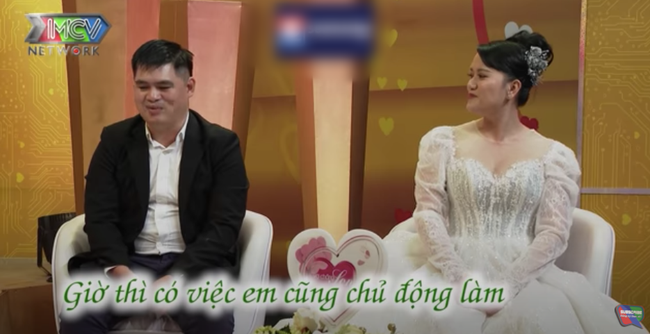 """""""Vợ chồng son"""": Đỏ mặt với cặp đôi kể chuyện có bầu sau 2 tháng đi từ thiện chung  - Ảnh 4."""