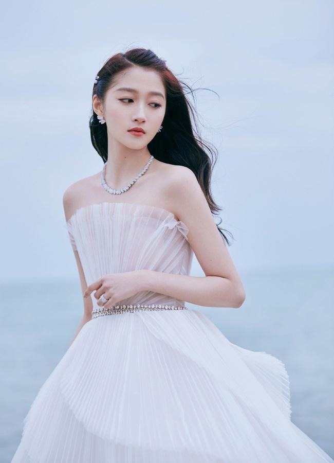 """Những mỹ nhân Hoa ngữ là minh chứng cho việc """"xinh đẹp chưa đủ, quan trọng là khí chất"""" - Ảnh 7."""