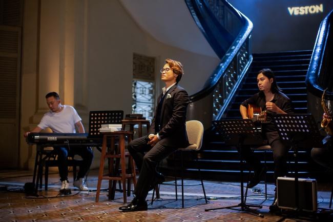 Bất ngờ trước số lượng đặt vé concert quá lớn, Hà Anh Tuấn phát hành album mới trước thềm liveshow - Ảnh 3.