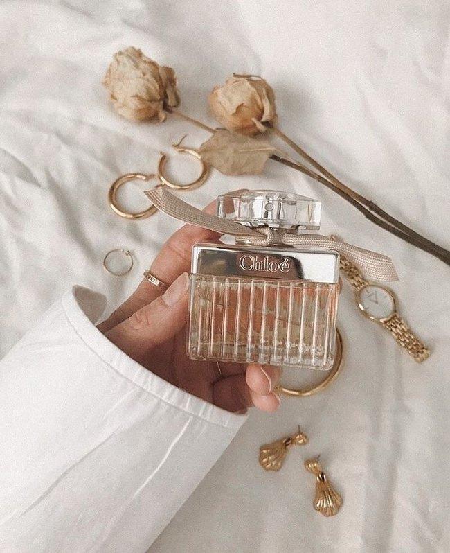 10 chai nước hoa được chị em thi nhau rinh về năm 2020: Toàn mùi hương dễ dùng, không nồng không sến và sang chảnh có thừa - Ảnh 10.