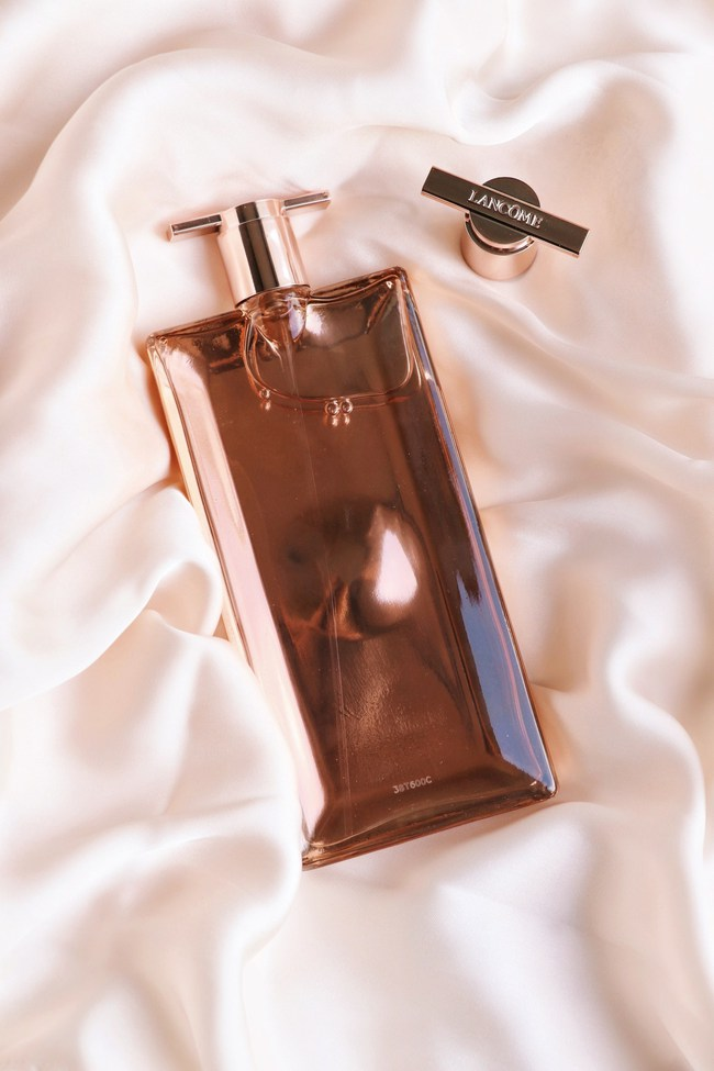 10 chai nước hoa được chị em thi nhau rinh về năm 2020: Toàn mùi hương dễ dùng, không nồng không sến và sang chảnh có thừa - Ảnh 12.