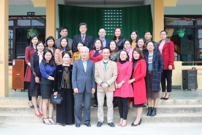 Trường Quốc tế Nhật Bản (JIS) trao quà ủng hộ trường tiểu học Quảng Minh A để khắc phục hậu quả bão lũ - Ảnh 1.