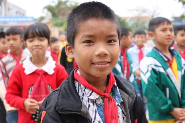 Trường Quốc tế Nhật Bản (JIS) trao quà ủng hộ trường tiểu học Quảng Minh A để khắc phục hậu quả bão lũ - Ảnh 4.