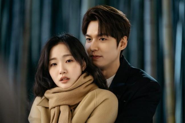 """Hyun Bin - Son Ye Jin là cặp đôi màn ảnh xứ Hàn được yêu thích nhất năm 2020, nhưng 6 cái tên này cũng """"rần rần"""" không kém - Ảnh 6."""