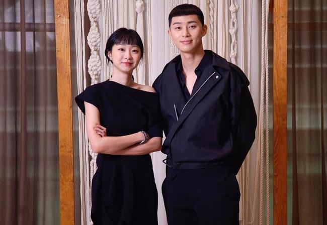 """Hyun Bin - Son Ye Jin là cặp đôi màn ảnh xứ Hàn được yêu thích nhất năm 2020, nhưng 6 cái tên này cũng """"rần rần"""" không kém - Ảnh 8."""