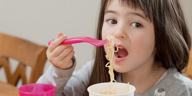 """5 loại thực phẩm này chứa rất nhiều """"muối vô hình"""", không nên cho trẻ ăn nhiều - Ảnh 5."""