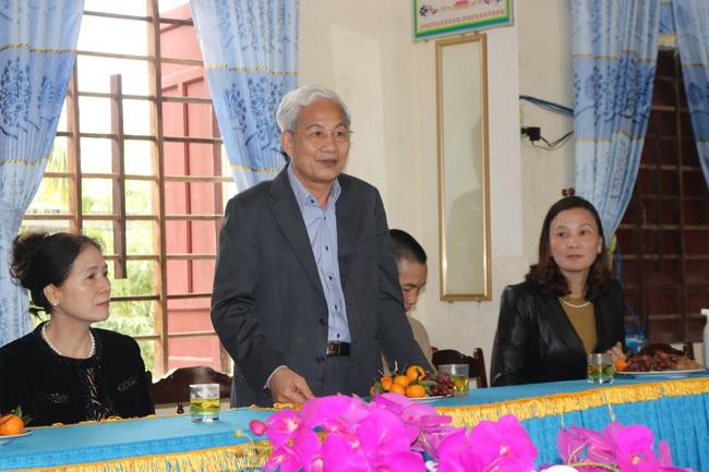 Trường Quốc tế Nhật Bản (JIS) trao quà ủng hộ trường tiểu học Quảng Minh A để khắc phục hậu quả bão lũ - Ảnh 2.