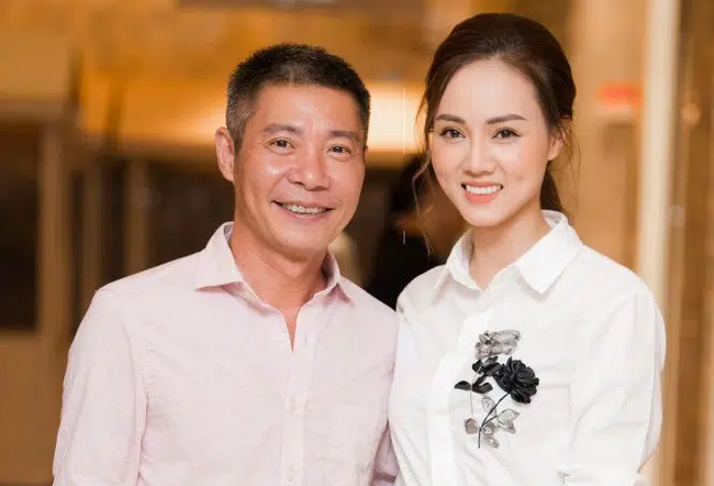Vài tháng trước khi vợ mới của Công Lý chụp ảnh với Tít, MC Thảo Vân đã nhận xét đúng 5 từ, giờ ngẫm lại càng thấy cô dạy con quá văn minh - Ảnh 1.