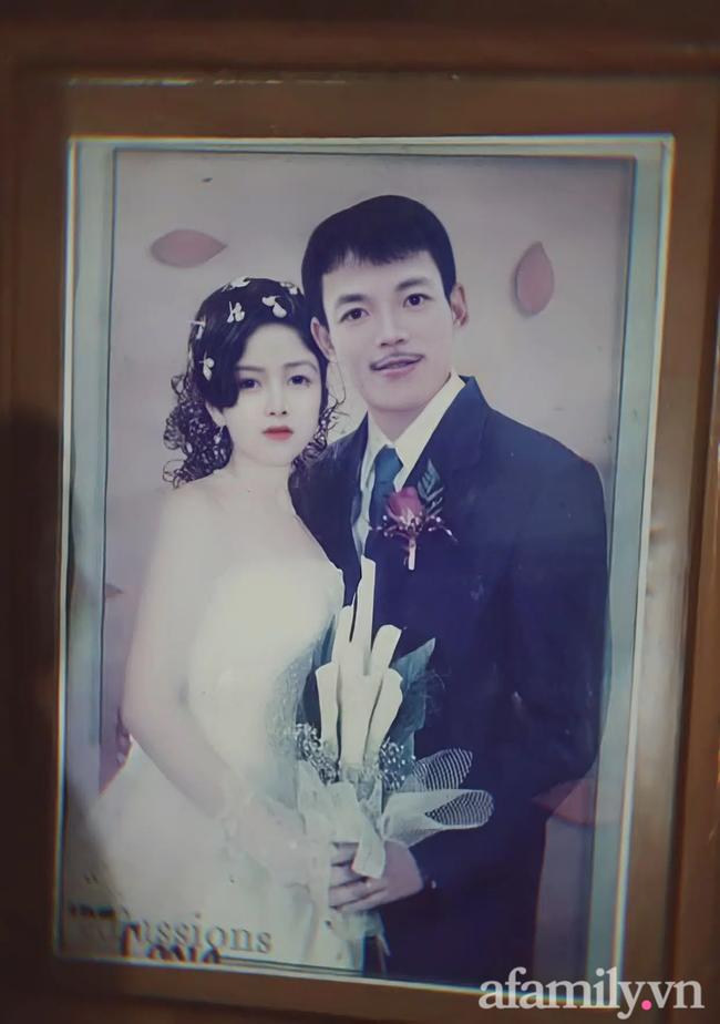 Cô con gái kể câu chuyện tình yêu của bố mẹ chồng: Lần đầu gặp mặt, bố mẹ chồng đã ngăn cản vì anh rể là `` công tử xã hội ''.  và bí quyết để có được hạnh phúc suốt 26 năm chỉ trong một từ `` em yêu '' Ảnh 3.