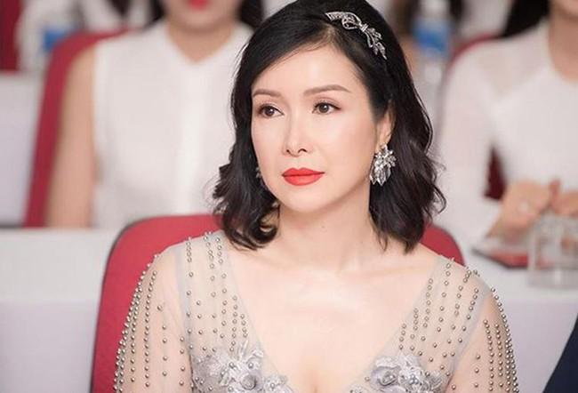 Hoa hậu Bùi Bích Phương: Ngày đăng quang được tặng chiếc xe đạp, giờ là doanh nhân giàu có, cách dạy con cực khác biệt - Ảnh 2.