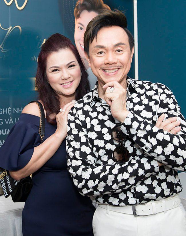 Vợ cố nghệ sĩ Chí Tài tay ôm chặt kỷ vật của chồng nói trong nước mắt - Ảnh 2.