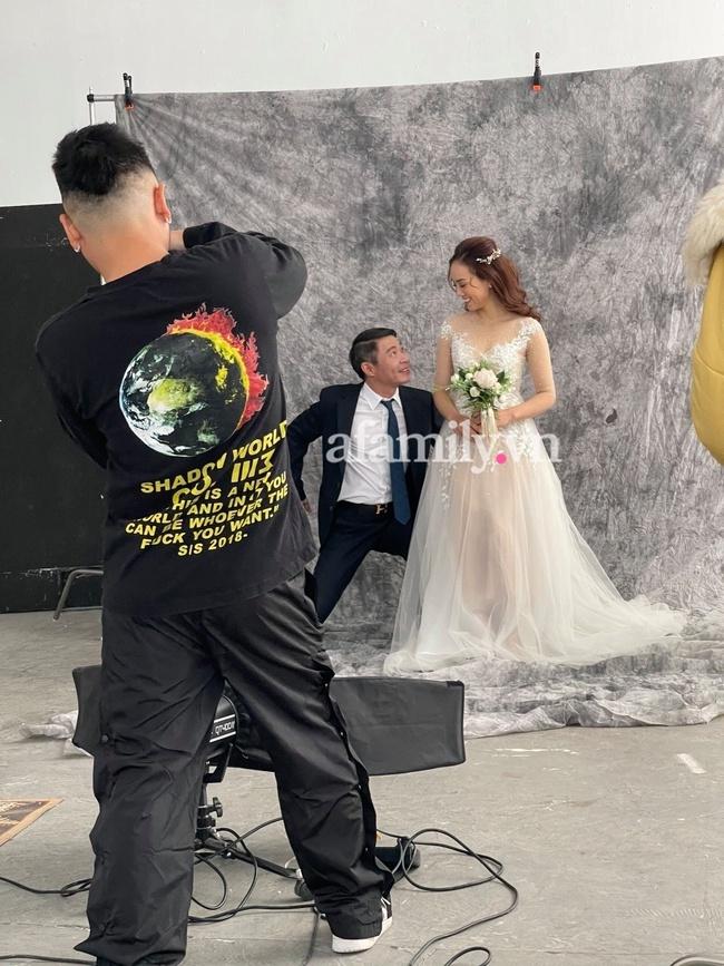 Rò rỉ hậu trường chụp ảnh cưới của NSND Công Lý và bạn gái kém 15 tuổi - Ảnh 3.
