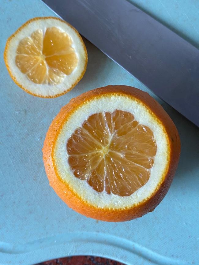 Lấy 1 quả cam rồi làm thế này, ho khan ho có đờm cũng khỏi dứt điểm - Ảnh 2.