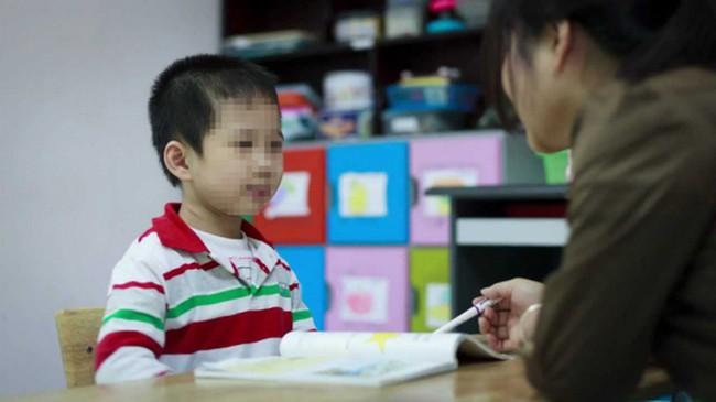 Tất tần tật về thông tin, lịch khám của 5 địa chỉ chăm sóc, dạy trẻ tự kỷ lâu năm được đánh giá cao tại TP. HCM - Ảnh 1.