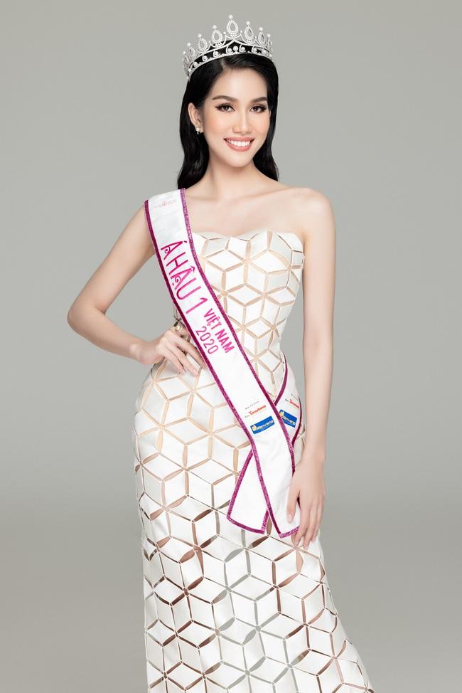 Soi nhan sắc Hoa hậu Đỗ Thị Hà và 2 Á hậu sau một tháng đăng quang - Ảnh 12.
